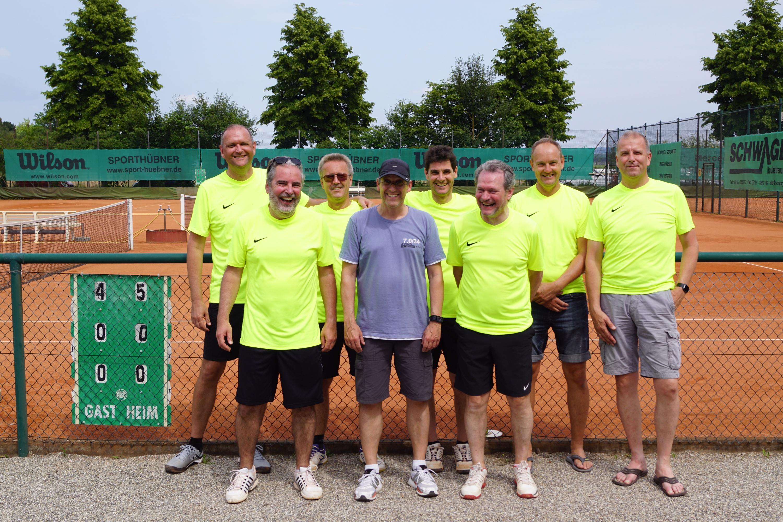 BspoNGnU_2018 5 27 Tennis Herren40 (30)_resized.JPG